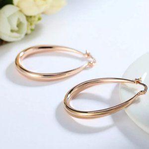 *NEW 18K Rose Gold 1.5'' Oval Hoop Earrings